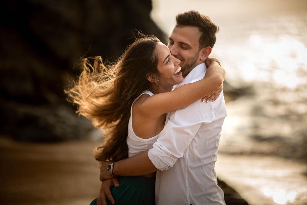 Séance photo de couple à la plage