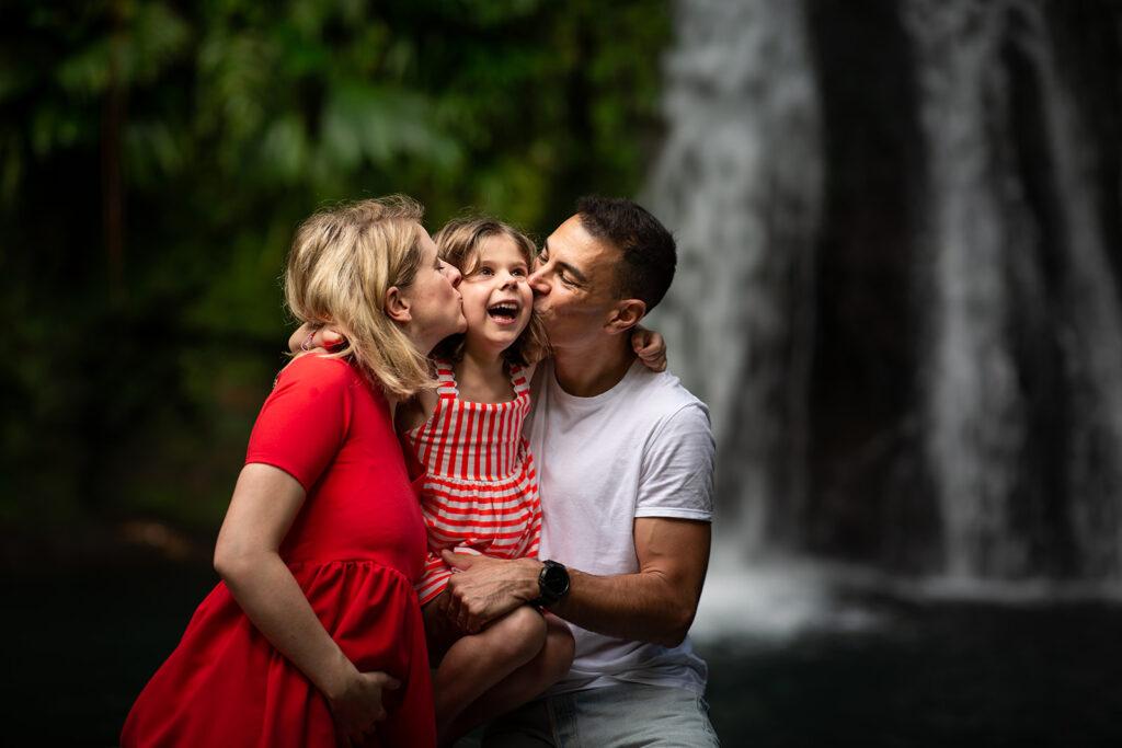 Photo de famille à la rivière en guadeloupe
